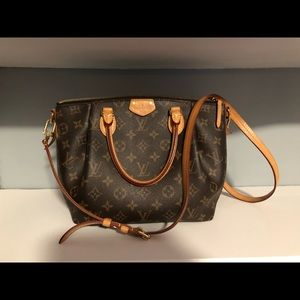 Louis Vuitton Cross Body - TURENNE MM